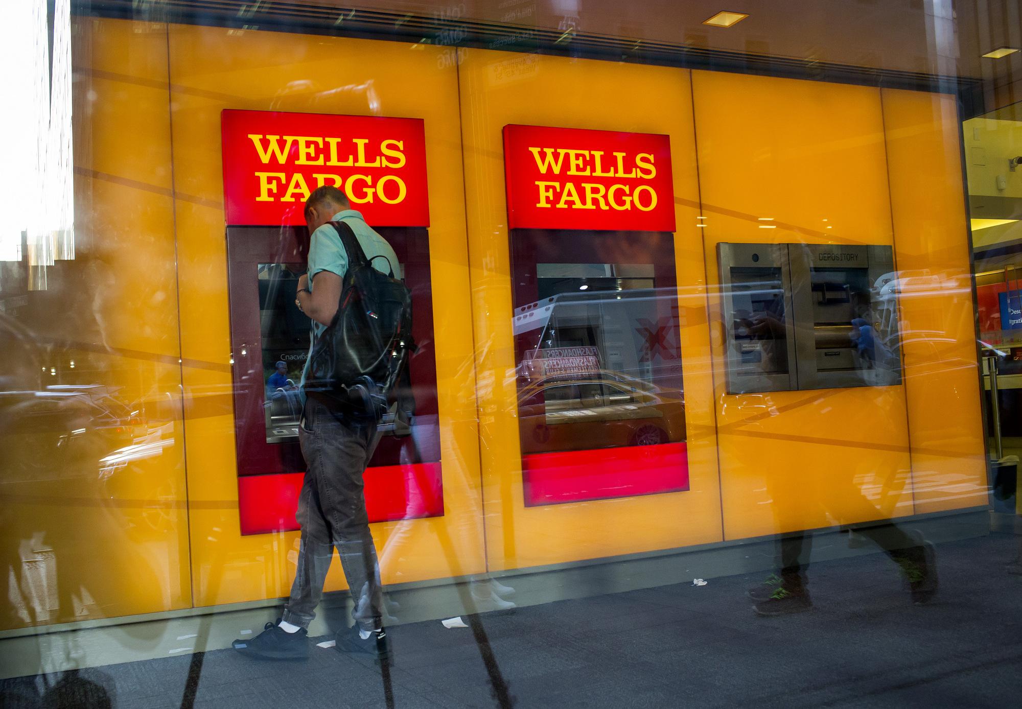 Wells Fargo cấm khách hàng mua cryptocurrency bằng thẻ tín dụng