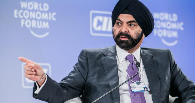 CEO Mastercard một lần nữa chống lại cả thế giới, gọi tiền điện tử là RÁC