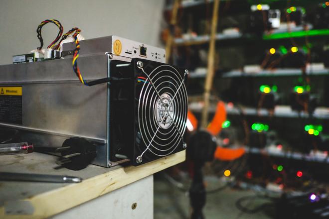 Bộ Công Thương kiến nghị không tạm ngừng nhập máy đào tiền mã hóa